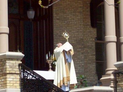 eucharistic_procession_2008_085