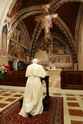 74633849po101_pope_assisi